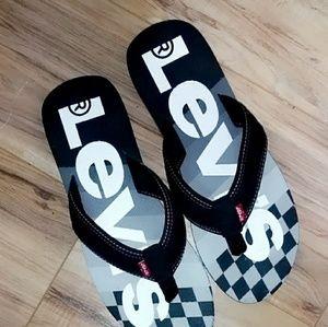 44e5c4449518 Levi s Sandals   Flip-Flops for Men